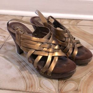 Memory fit cushion heeled sandals